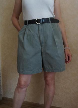 Хлопоковые шорты бермуды высокая посадка защипы винтаж хаки