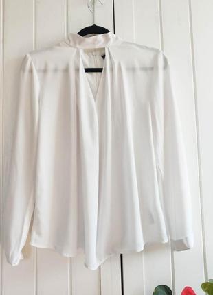 Белая блуза с вырезом от topshop, размер м
