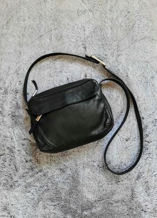 Черная кожаная сумка через плечо кросс боди  francesco biasia