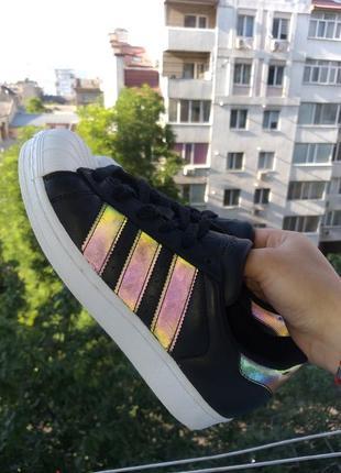 Очень крутые рефлективные кроссовки adidas superstar