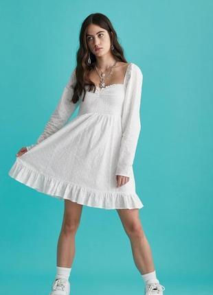 Трендовое белое короткое платье прошва с фонариками вырез сердечком от asos