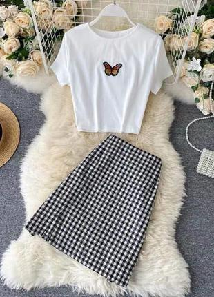 Костюм : юбка с футболкой