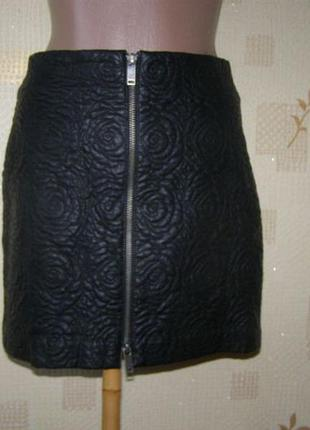 Zara мини юбка еко кожа xs размер