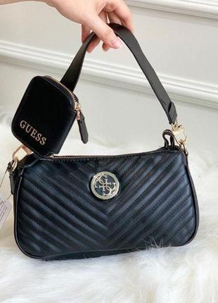 Чёрная сумка багет на плечо с кошельком guess
