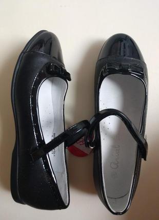 Туфельки дівчачі, 38 розмір.