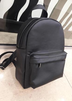 Вместительный женский рюкзак черный эко-кожа качественный