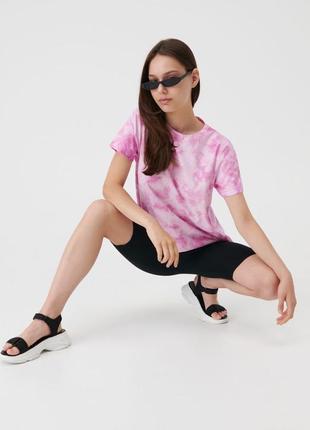Трендовая футболка с эффектом tie-dye (тай-дай)