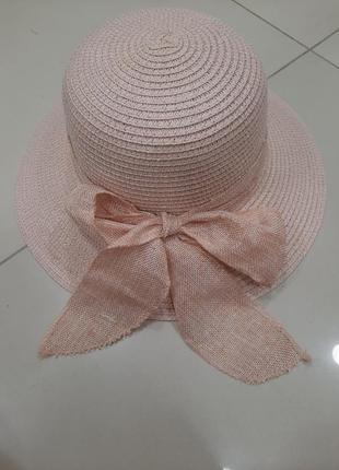 Красивая пляжная шляпа