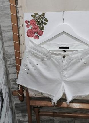 Джинсовые белые шорты mango