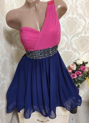 Невероятно красивое вечернее платье,яркое, эффектное