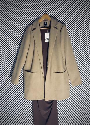 Бежевое пальто бойфренд в стиле zara