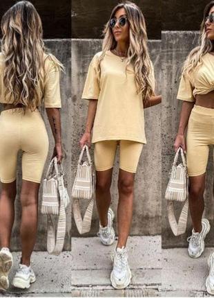 Модний жіночий костюм з велосипедками і футболкою (норма і батал)3 фото
