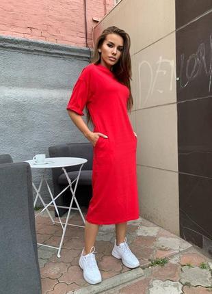 Тренд сезона платье - футболка красная