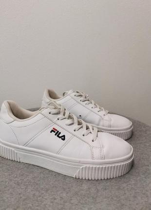 Кросівки 39 розмір
