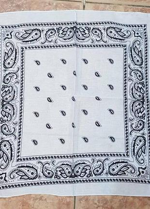 Бандана хлопковая платок повязка на голову на шею белая классика