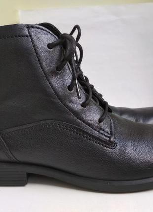 Кожаные ботинки ecco р.38