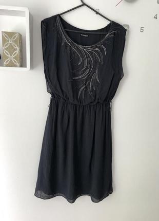 Легкое платье нарядное сукня до колін натуральна тканина