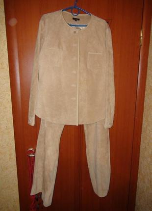 Замшевый классный костюм essentiel 44 размер