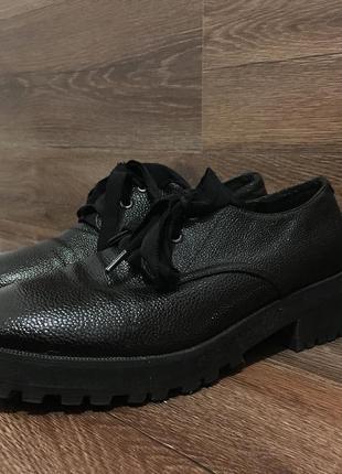 Туфлі дербі
