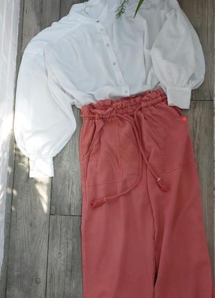 Нежная блуза с обемными рукавами
