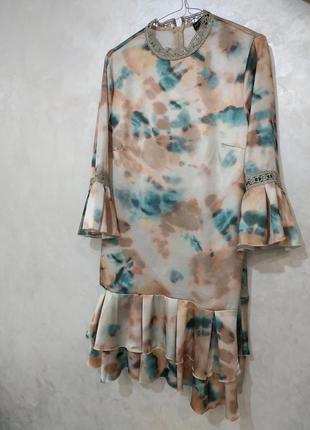 Красиве плаття з рюшками