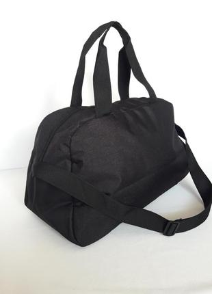 Стильная сумка спортивная2 фото