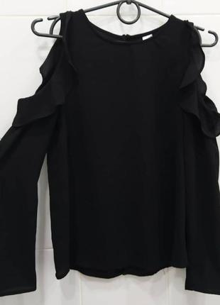 Стильная шифоновая блуза с рюшами на рукавах