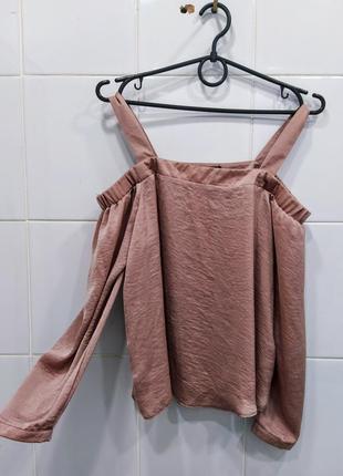 Актуальная легкая сатиновая блуза пудрового цвета