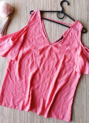 Милая блуза с открытыми плечиками
