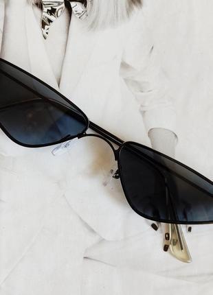 Солнцезащитные очки маленький треугольник чёрный