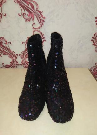 Фирменные ботинки2 фото