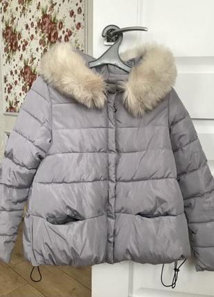 Актуальная фирменная куртка с капюшоном зимняя