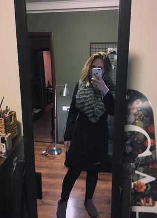 Пальто шерстяное черное со съемным меховым воротом