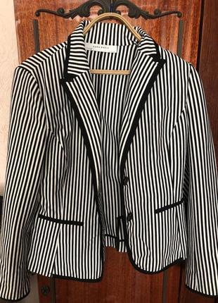 Стильный пиджак в полоску zara