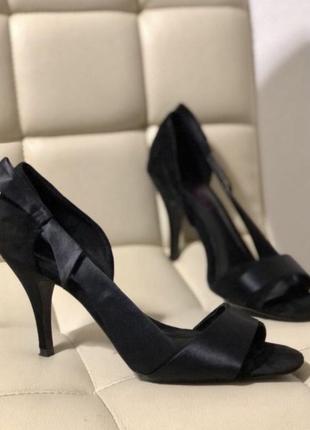 Шикарные босоножки туфли 39 р кожа и текстиль