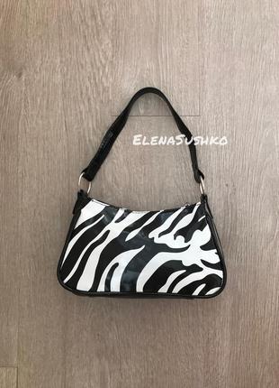 Лаковая сумка багет зебра подмышку в полоску