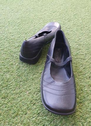 Туфлі мешти балетки квадратний носок каблук шкіра