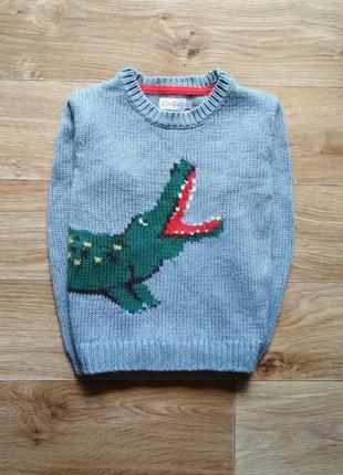 Красивый свитер с крокодилом