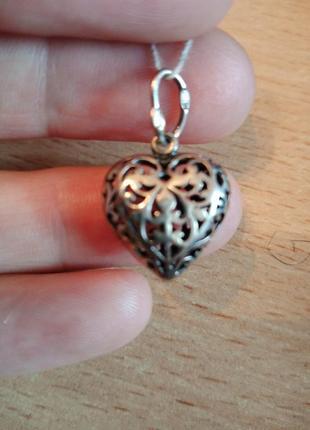 Серебряный ажурный кулон в форме сердца