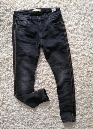 Стильные женские джинсы с лампасами lexxury 40 в прекрасном состоянии
