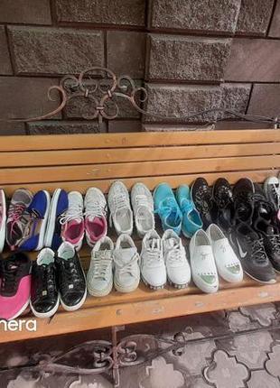 Взуття.кроси