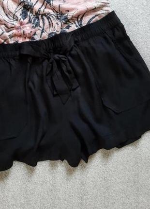 Літні легкі шорти