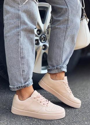 Кроссовки в стиле форс. наложка