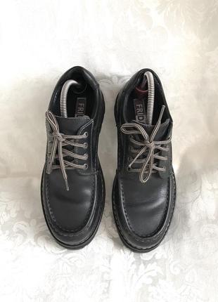 Кожаные добротные туфли кожа