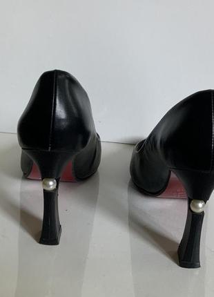 Мега удобные туфельки с бусинкой