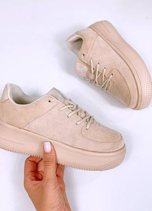 Замшевые кроссовки легенькие на толстой подошве в стиле форс. наложка