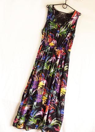 Шикарное длинное платье со вставкой кружева на спине от george