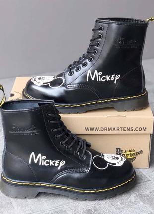 Женские демисезонные высокие ботинки доктора мартенс dr. martens 1460 mickey