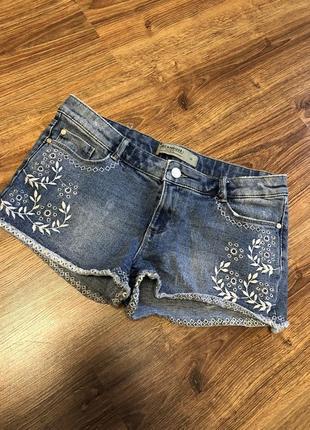 Короткие шорты сексуальные джинсовые с вышивкой