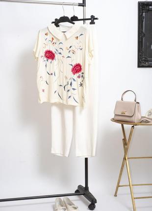 Красивейшая шифоновая белая блуза с вышивкой